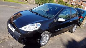 Renault clio I-Music 1.2 Black 3 doors 2010