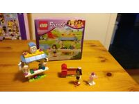 Lego Friends 41098 - Emma's Tourist Kiosk