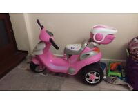 Girls battery powered scooter