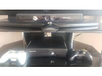 Xbox 360 S 250GB with connect + 2 controllers + 12 games