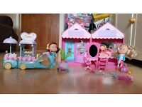 EARLY LEARNING CENTRE ROSIE'S WORLD BEAUTY SALON AND ICE CREAM TRIKE WITH TWO DOLLS AND ACCESSORIES