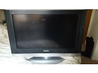 "32"" Panasonic TX-32LXD500 LCD HD ready TV with remote"