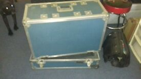 Heavy duty flightcase for 2x12 or 1x12 amp