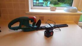 Rechargeable cordless hedge trimmer