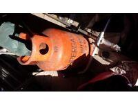 13kg bottle of gas full .never used. butane