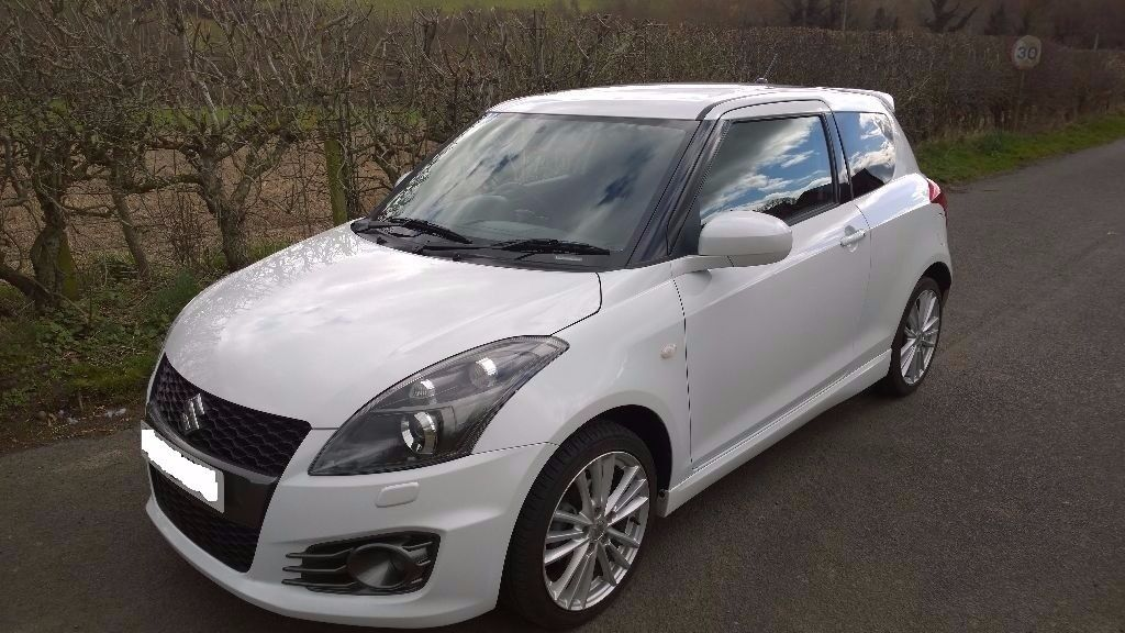 suzuki swift sport nav 136 bhp 2016 registered 3 door pearl white only 4 950 miles in. Black Bedroom Furniture Sets. Home Design Ideas