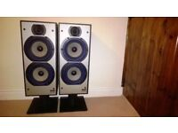 Bowers and Wilkins DM220 floor speakers with original stands and near perfect condition