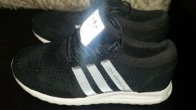 Adidas trainer's boys size 1