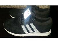 Adidas trainer's boys size 1