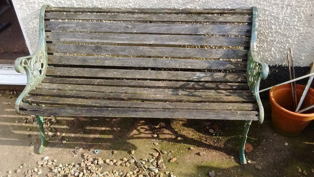 Used Garden Bench With Cast Iron Sides Wooden Slats Need Replacing