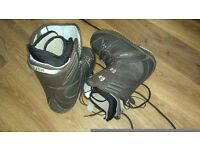 Women's snowboard boots, size 6
