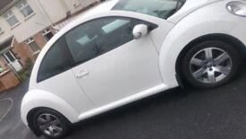 2010 Volkswagen Beetle 1.6 Luna (White)