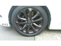 Ford Focus 17 inch alloy wheels - unmarked
