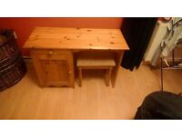 Pine dressing table and seat
