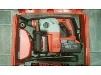 MILWAUKEE 28V SDS DRILL