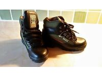 fantastic women's walking/hiking boots..ideal for outdoor