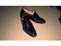 Mens Black Patent Dress Shoes, size 10, all leather, stylish formal slip on, new