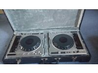 x2 Pioneer 800's MK2 CDJ's (Silver, perfect working order)