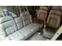2 Captain seats+ 2 seater fold down