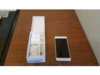 Samsung Galaxy J5 - White - Excelent Condition - Used 1 Week. Boxed.