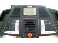 York Treadmill Perform 210