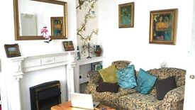 DOUBLE ROOM IN HOUSE TO SHARE FEMALE PROFESSIONAL OR STUDENT ONLY