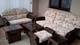 Immaculate 6 piece rattan furniture set