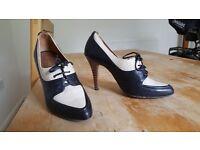 Hobbs leather high heels 37