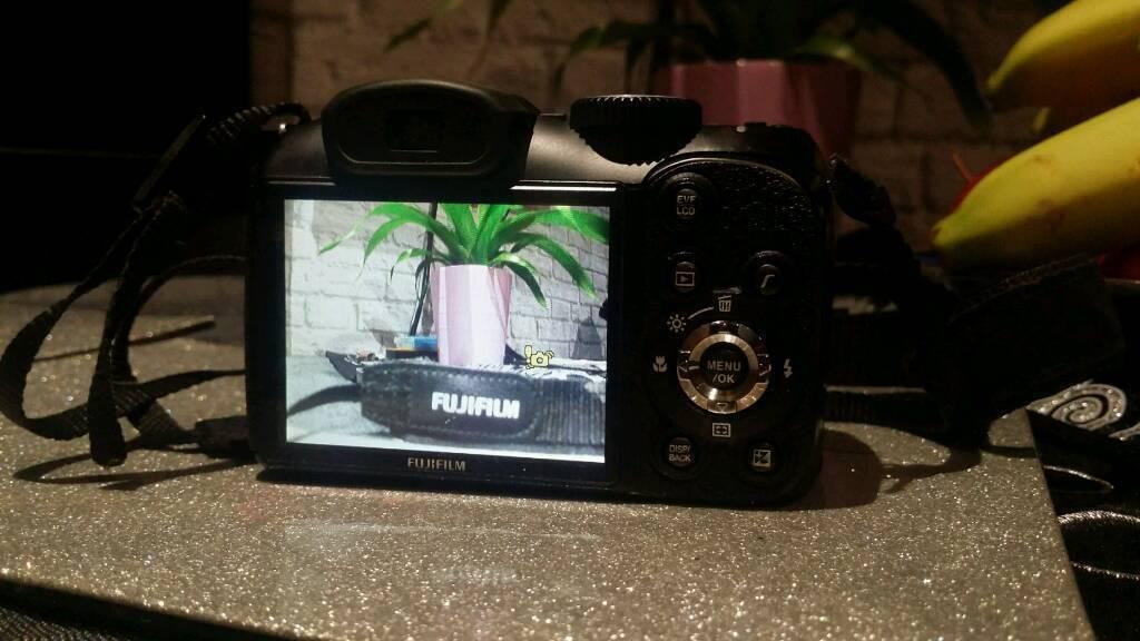 Fujifilm finepix s digital camara