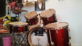 Acoustic CB drum kit - red.