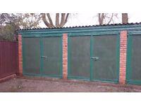 Lock up garage in off street block long term let