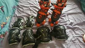 Kids roller skates and pads