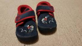 Child's navy blue sleepers size 6G