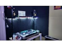 DDJ RX 2 weeks old + Case and stand on laptop etc
