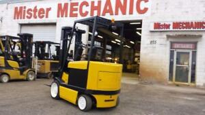 2008 Caterpillar 5000lb Capacity Electric with Triple Mast