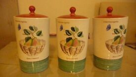 china wedgewood sarahs garden storage jars 3 in number 1 has 2 little chips