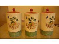china wedgewood sarahs garden storage jars 3 in number 1 has 2 little chips