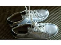 REMO casual shoes size 4