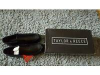 Mens size 9 Taylor and Reece shoes