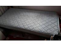 Single bed in brilliant condition