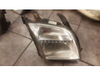 2005 FORD FUSION DRIVER OFF SIDE HEAD LIGHT COMPLETE