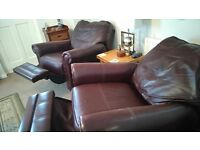 MUST GO! IN EXCELLENT CONDITION. 2 LARGE 'WADE' MANUAL RECLINING LEATHER ARMCHAIRS