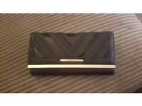 Black river island purse