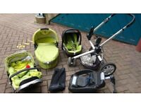 Quinny buzz travel system complete with car seat and maxi cosi base £30