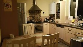 A big room to rent in Borehamwood