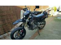 Suzuki drz400sm k7 original from factory may px. Bikes in Scotland