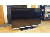 JVC - LT-32C655 Smart 32'' LED TV with Built-in DVD Player