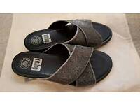 Silver Fitflops- like new
