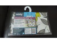 Minky leaf design peg bag