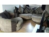 Beautiful sofa set can deliver